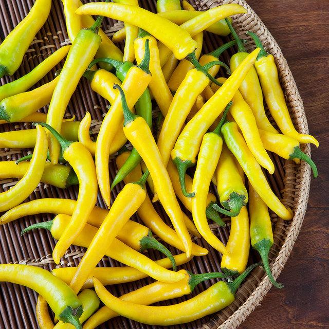 2581294-golden-cayenne-pepper.jpg